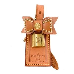 Authentic LOUIS VUITTON Luggage Tag & Padlock